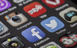 Experts warn about the dangers of social media addiction