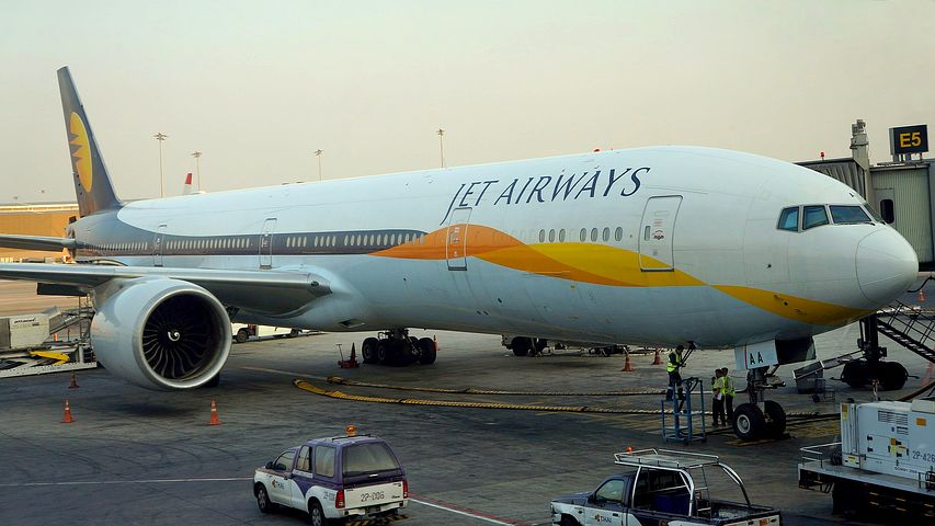 Jet Airways temporarily curbs operations at Abu Dhabi Airport